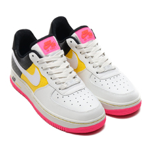 NIKE W AIR FORCE 1 '07 SE MOTO SUMMIT WHITE/WHITE-TOUR YELLOW-BLACK AT2583-100画像